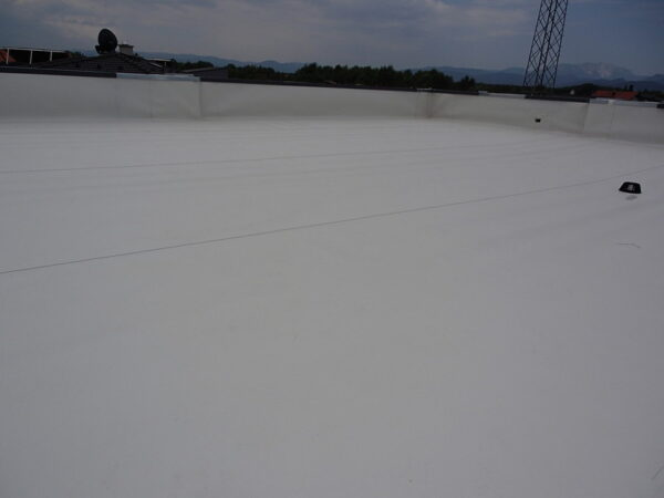 Hydro insulated roof